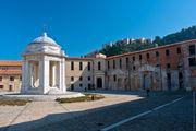Двор лазарета / Италия