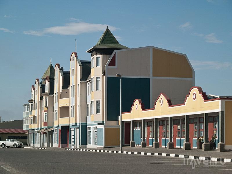 Современная постройка в Свакопмунде / Фото из Намибии
