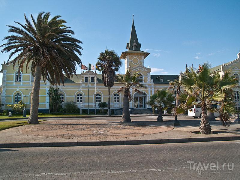 Отель Swakopmund в здании бывшего железнодорожного вокзала / Фото из Намибии
