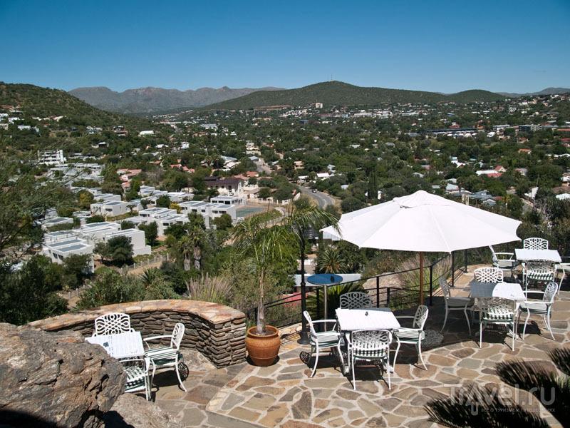 Вид на Виндхук с террасы Thule / Фото из Намибии