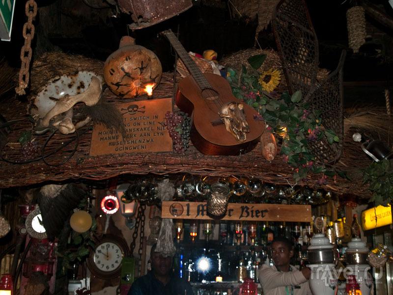 Привлекательный интерьер в Joe's Bier Haus, Виндхук / Фото из Намибии