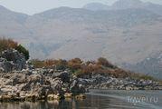 Камни на берегу / Черногория