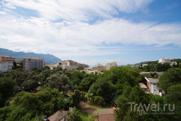 Вид на курорт Бечичи, Черногория / Фото из Хорватии