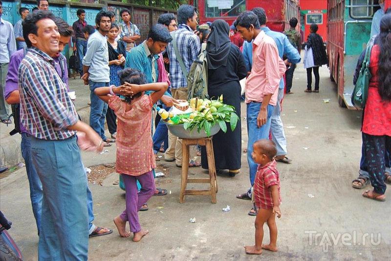 На улице в Дакке, Бангладеш / Фото из Бангладеш