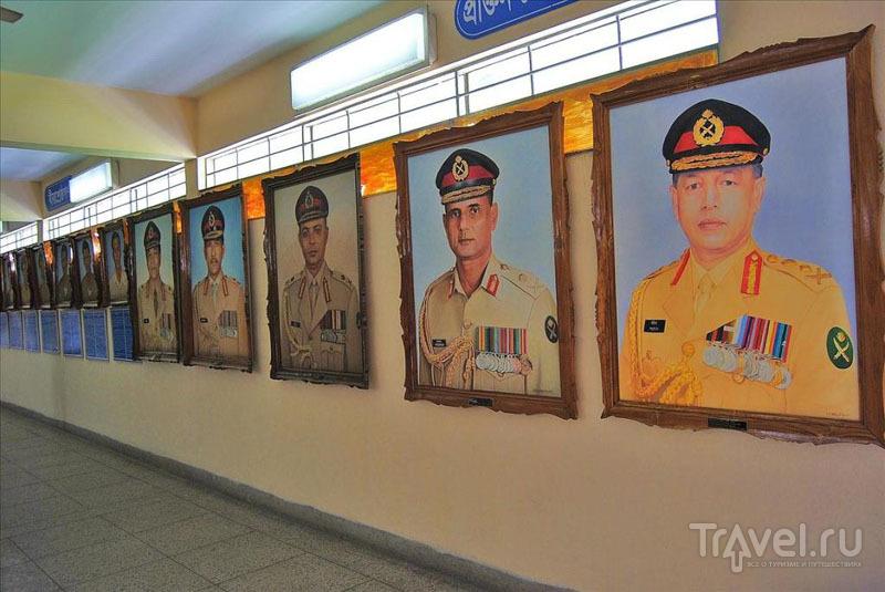 Картины в Военном музее, Дакка / Фото из Бангладеш