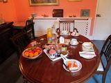 Завтрак в розовой гостиной / Великобритания