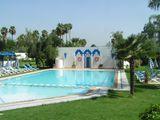 Бассейн в отеле / Марокко