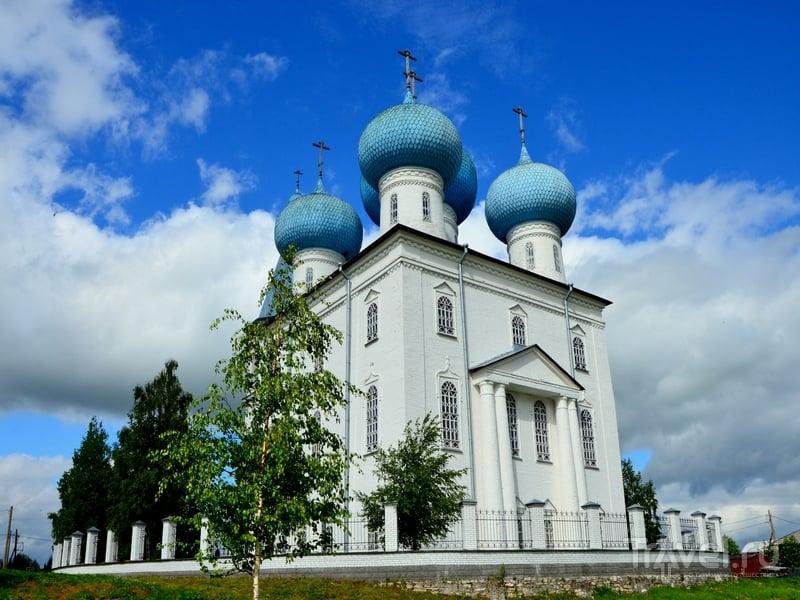 Каменная церковь Сретения Господня в Заостровском погосте / Фото из России