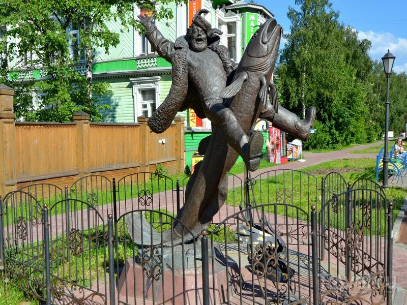 Памятник Сене Малине – герою рассказов Степана Писахова / Фото из России