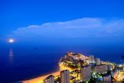 Вид на ночной город / Испания