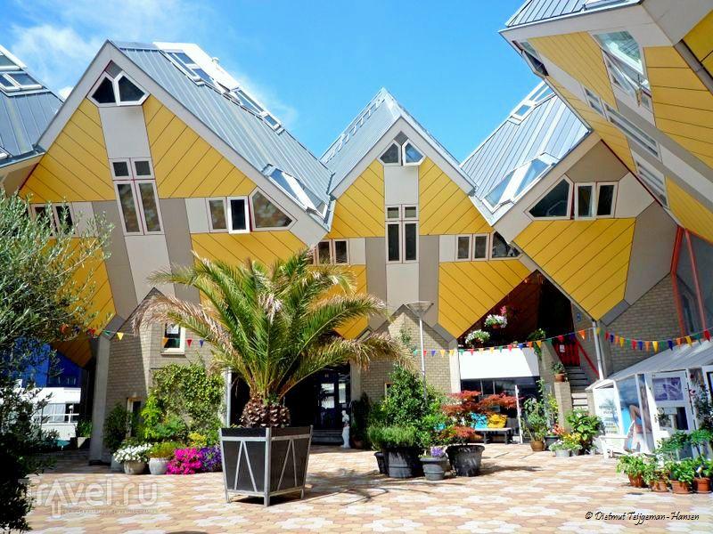 Внутренний дворик кубических домов в Роттердаме / Нидерланды