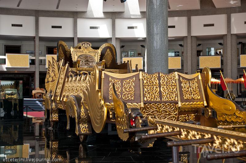 Церемониальная колесница султана Брунея / Фото из Брунея
