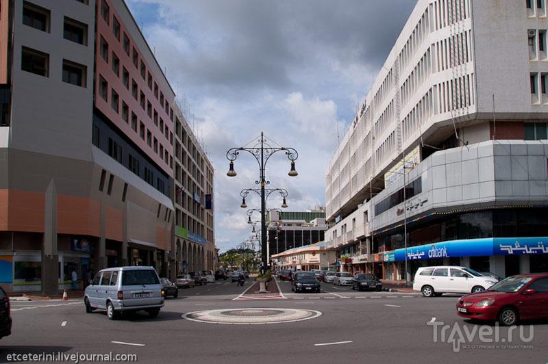Улица в Бандар-Сери-Бегаване, Бруней / Фото из Брунея