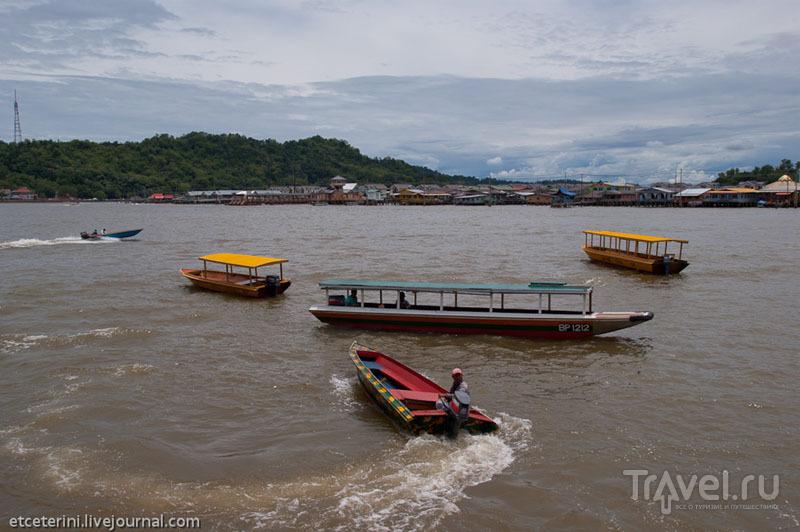 Лодки в Брунее / Фото из Брунея