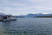 Озеро и горы / Швейцария