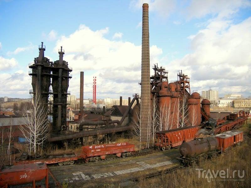Вид на железоделательный завод с Лисьей горы / Россия