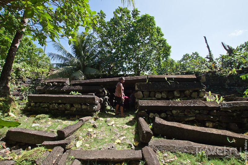 Мавзолей в каменном городе, Микронезия / Фото из Микронезии