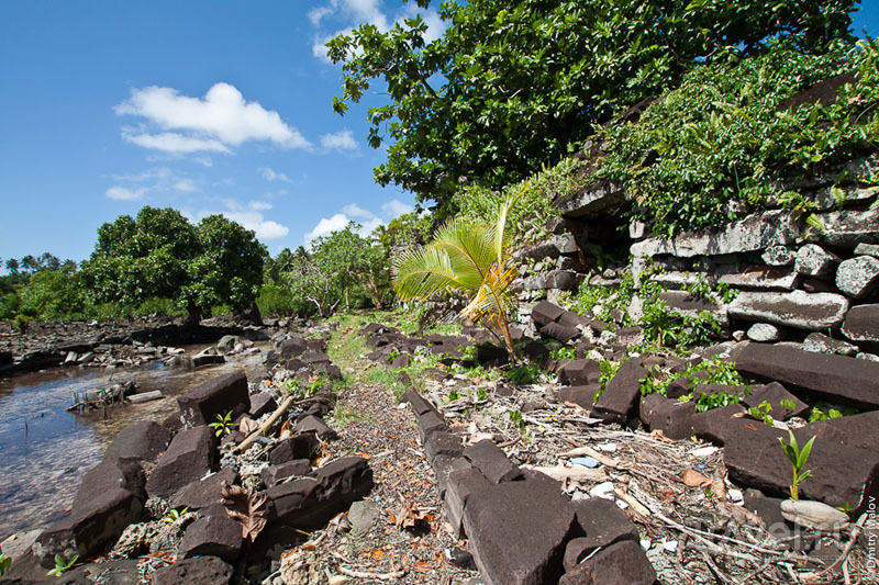 Вход в каменный город, Микронезия / Фото из Микронезии