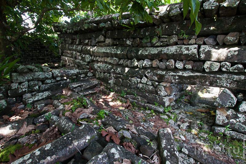 Стены древнего каменного города, Микронезия / Фото из Микронезии