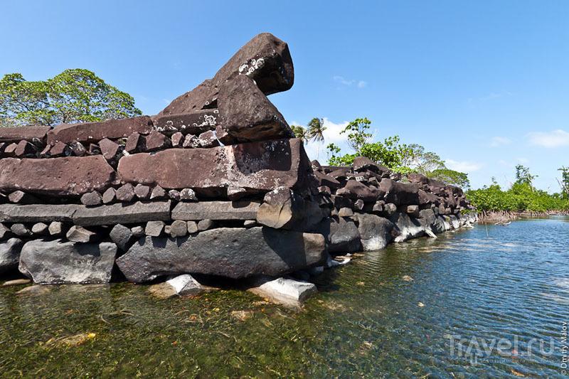 Стена древнего города, Микронезия / Фото из Микронезии