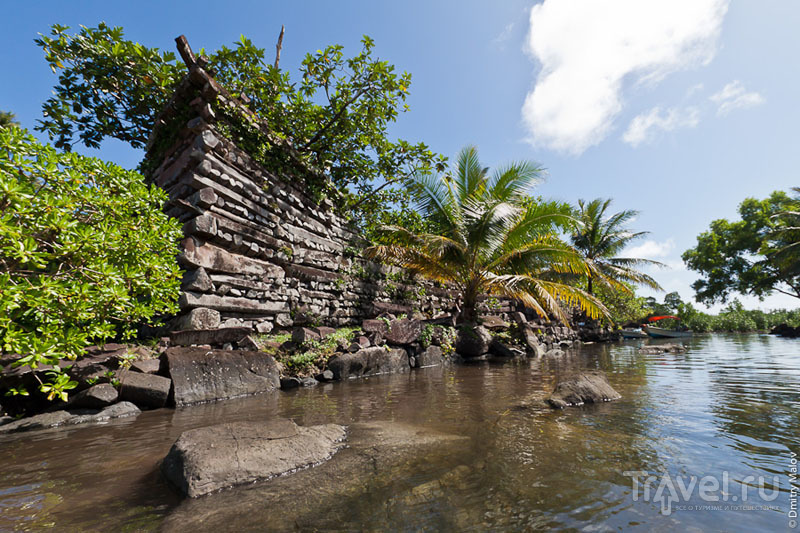 Стена древнего города Нан-Мадол, Микронезия / Фото из Микронезии