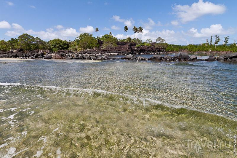 Каменная стена древнего города, Микронезия / Фото из Микронезии