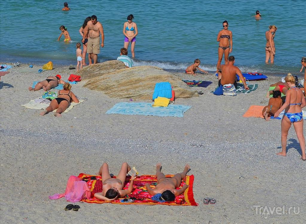 Зрелых вов пляж девушку фото жена наклонилась бабы