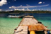 Лодка у пирса / Индонезия