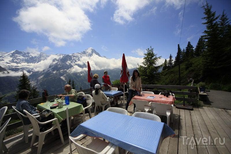 Кафе в швейцарских горах / Фото из Швейцарии