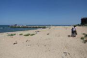 Пляж утром / Россия