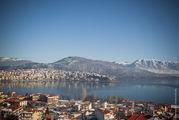 Озеро и горы / Греция