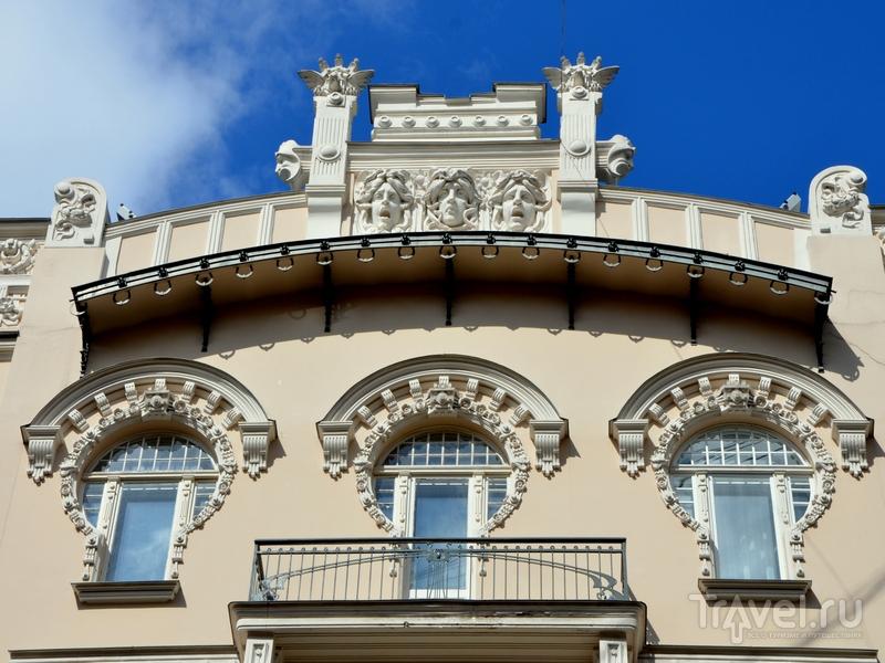 Архитектурные детали дома в югендстиле, Рига / Фото из Латвии