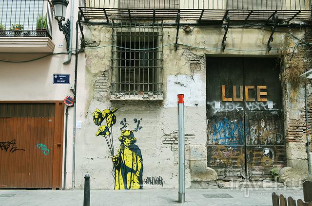 Обшарпанность зданий / Испания
