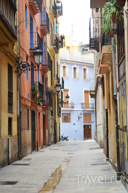 Узкая улочка / Испания