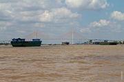 Современный мост в районе Кантхо / Вьетнам