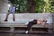 Спящий в парке / США