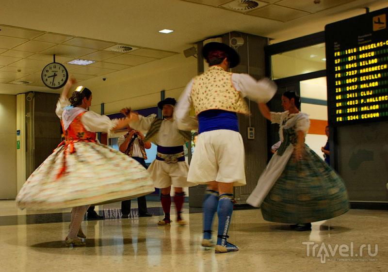 Национальные танцы в Валенсии / Фото из Испании