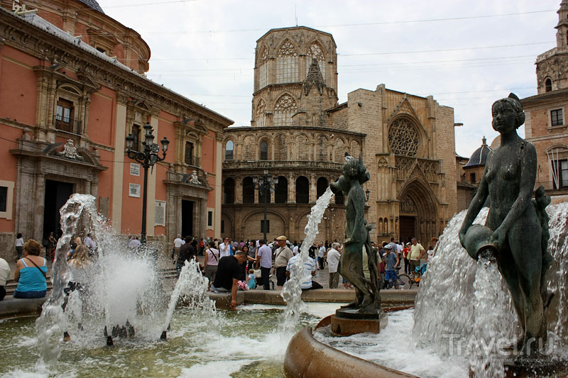 Фонтан в Валенсии, Испания / Фото из Испании