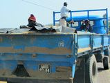 Перевозка людей в кузове / Мозамбик