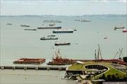 Вид в сторону порта / Сингапур
