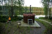 На берегу озера / Финляндия