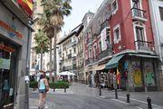 Пешеходные зоны отделены столбиками / Испания