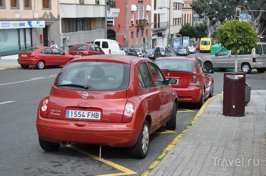 Напомните правила парковки в Испании - линии разметки!
