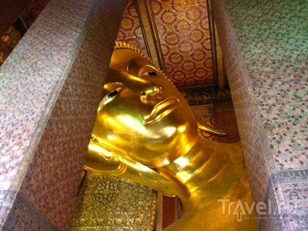 Статуя Будды, ожидающего достижения нирваны, Бангкок, Таиланд / Фото из Таиланда