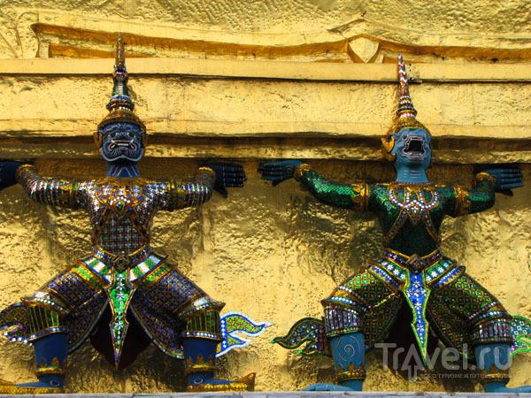 Скульптуры храмового комплекса у королевского дворца в Бангкоке, Таиланд / Фото из Таиланда