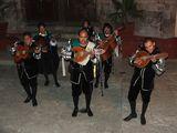 Музыканты у церкви Сан Диего / Мексика