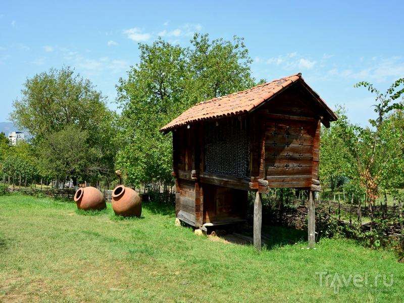 Зернохранилище в Музее этнографии, Тбилиси, Грузия / Фото из Грузии