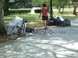 Собиратели банок / Сингапур