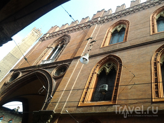 Башня Азинелли / Италия