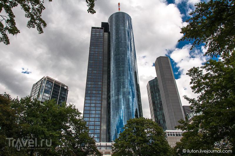 В деловом квартале Франкфурта / Германия